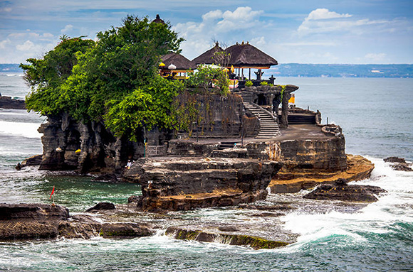 Bali-Tour-tanah-lot-temple.jpg
